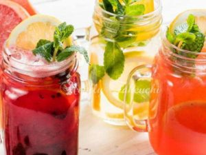 夏の暑さの中で健康的な飲み物は、ハーブティー