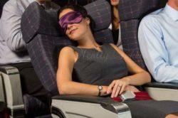 飛行機で寝るための自然療法